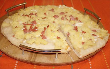 pizza con wurstel e patate